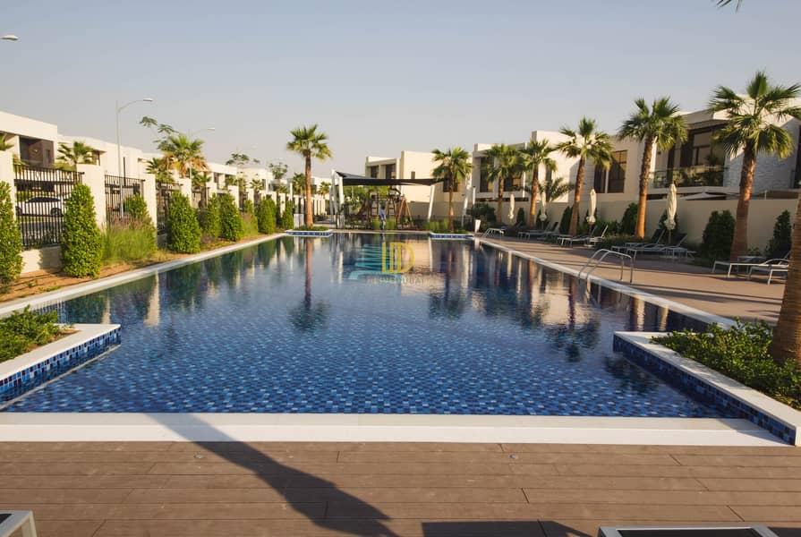 13 CB Brand new 5 bedroom villa in longview