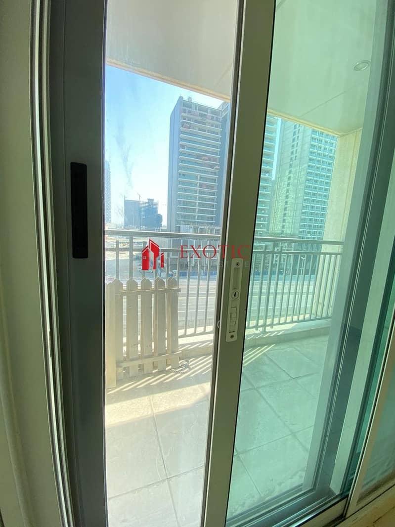 10 Upgraded Balcony    Studio Apartment in Burj Podium