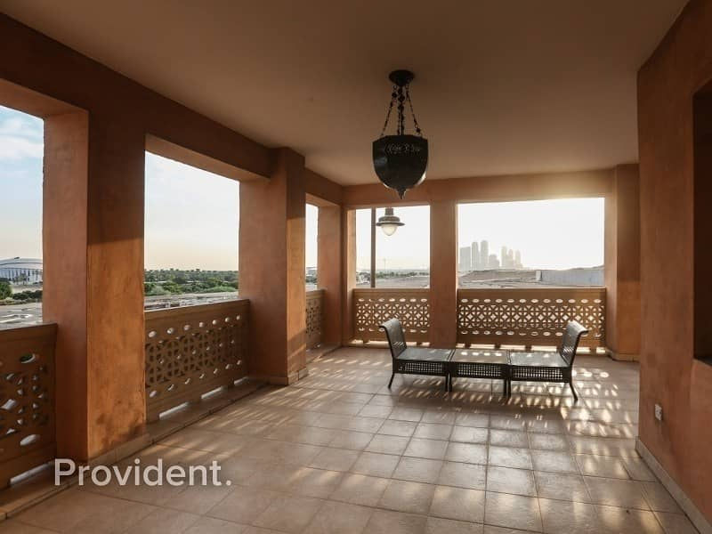 2 Massive Terraced 3 Bedroom Apartment   Vacant
