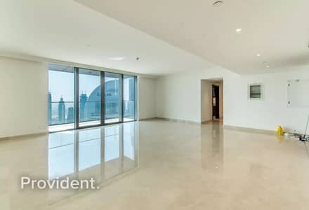 4 Bedroom Apartment for Rent in Downtown Dubai, Dubai - Ultra Spacious Living and Master | Closed kitchen