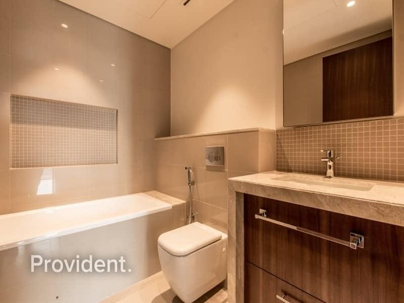 21 Burj Kh. View|Closed Kitchen | Corner unit |