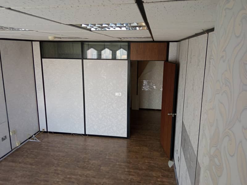 Individual Office 1700 Sqft for 102000 only Chiller Free