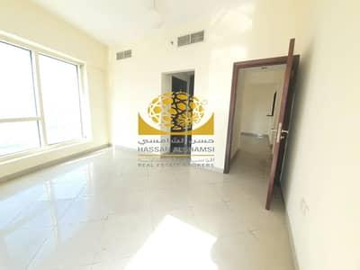 شقة 2 غرفة نوم للايجار في أبراج بحيرات الجميرا، دبي - Middle Floor/Lake View