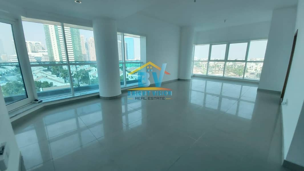 Ready to Move..!! Well Maintained 2 Bhk | Parking & Facilities | Khalidiyah