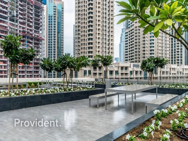 16 Low Floor 1 BR with a Study| Ready to Move-In