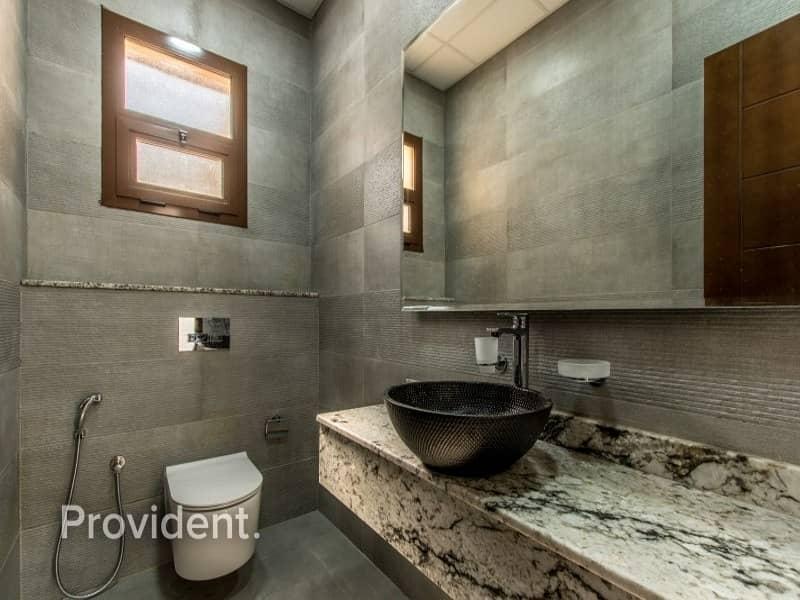 25 Contemporary Style Villa | Private Pool and Garden