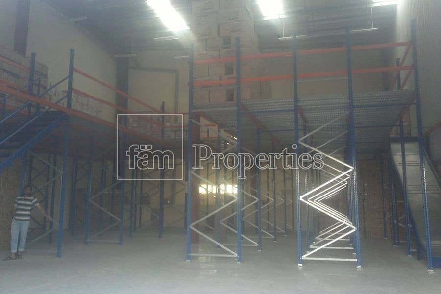Warehouse with Racking system in Plac