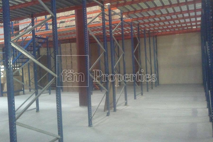 12 Warehouse with Racking system in Plac