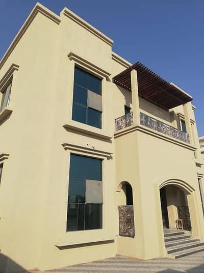 فیلا 5 غرف نوم للبيع في الياش، الشارقة - للبيع فيلا بالشارقة منطقة الياش جديدة اول ساكن