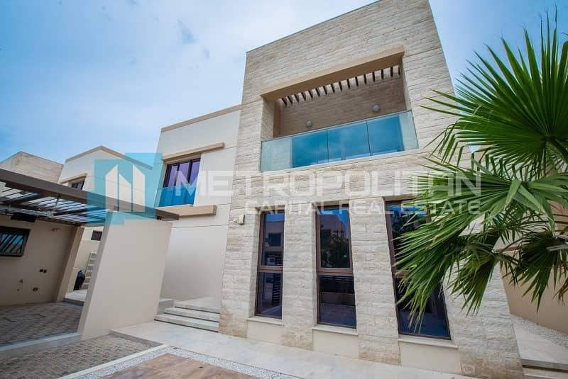 2 Best Price! Live In Elegant Villa w/ Swimming Pool