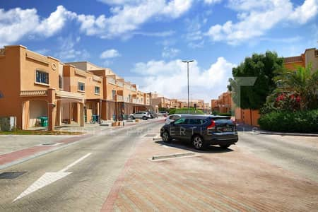 4 Bedroom Villa for Sale in Al Reef, Abu Dhabi - Good Offer!w/ Rent Refund.Double Row Villa