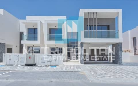 4 Bedroom Villa for Rent in Yas Island, Abu Dhabi - Golf View Villa|Unmatched Quality &Facilities;