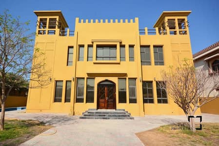 فیلا 5 غرف نوم للايجار في البرشاء، دبي - Spacious 5 BR+Maids Room | Large Swimming Pool