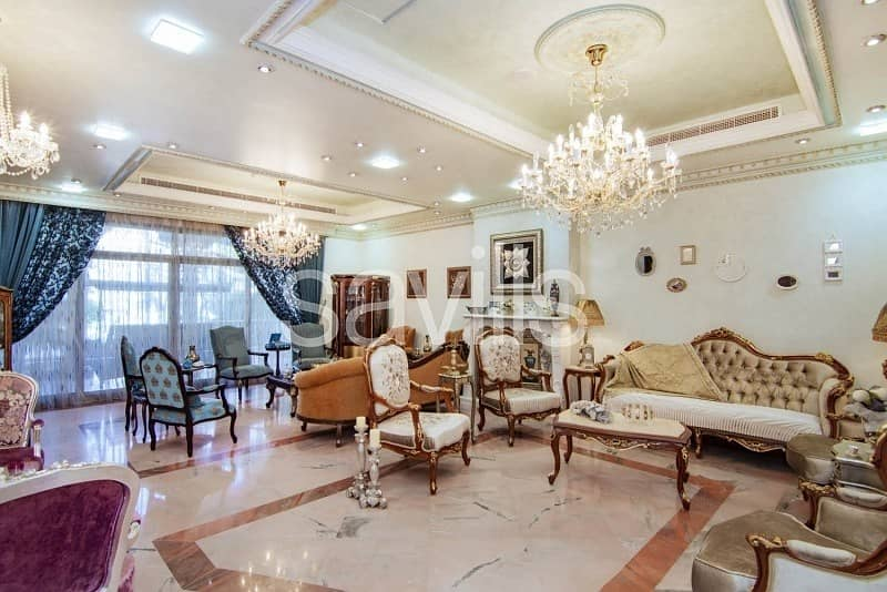2 Luxury villa with garden and swimming pool