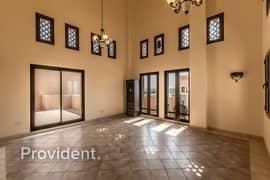 Perfect Home | Superior Apt in Condo Hillside DFC