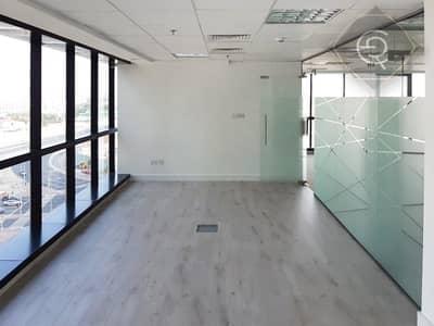 مکتب  للبيع في أبراج بحيرات الجميرا، دبي - fully fitted with partitions corner vacant office