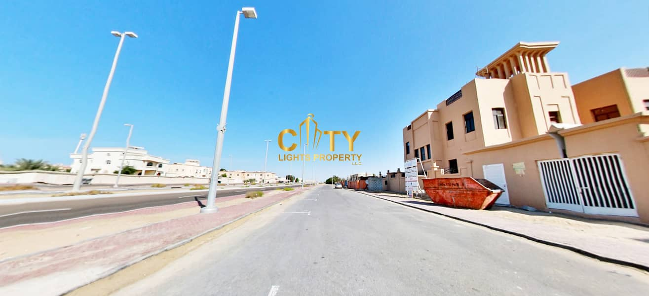 12 Commercial Land on a Good Location