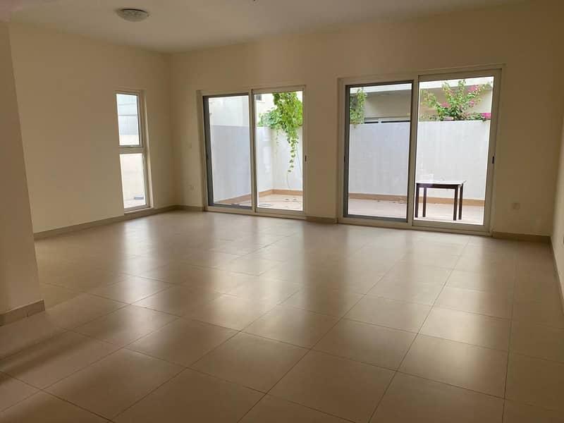 Luxurious Corner Unit 3 Bedroom Villa With Maid Room