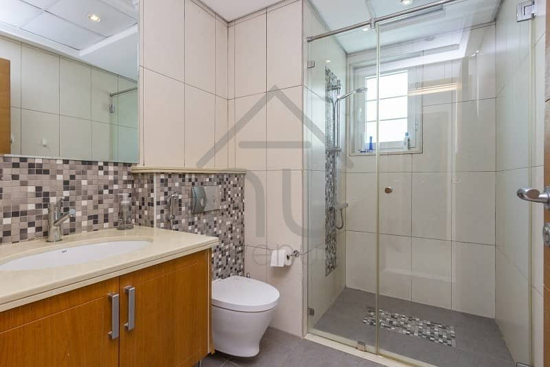 10 Immaculate In Demand 3 Bed Large | District 6