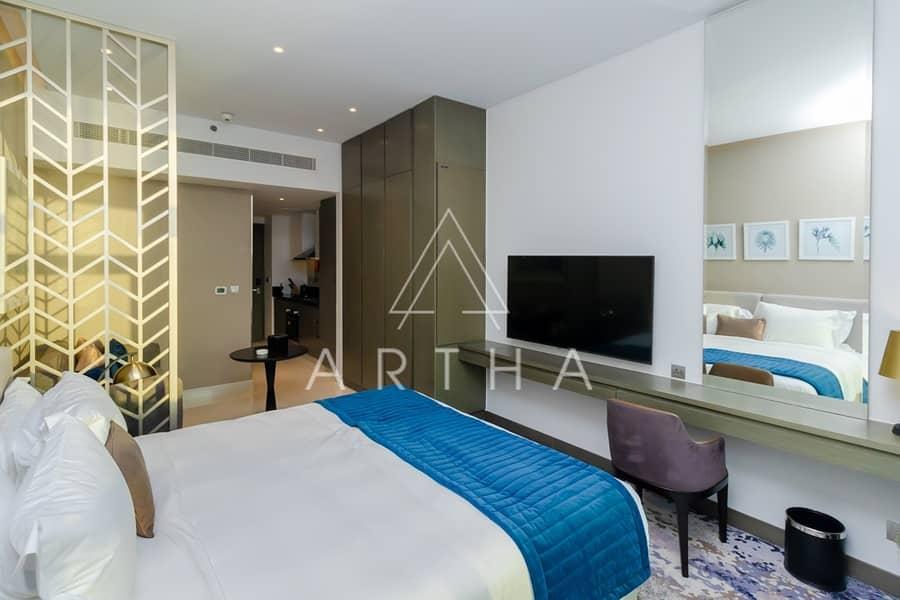 2 High Floor  Luxury Living   with Balcony