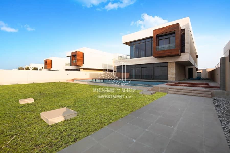 2 Unique & Executive Corner Full Sea View Villa!
