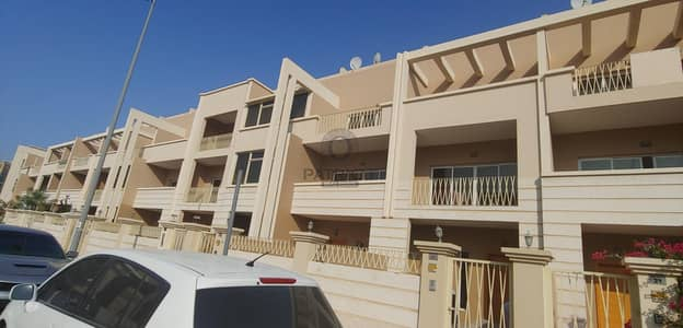 1 Month Free l Spacious l Vacant