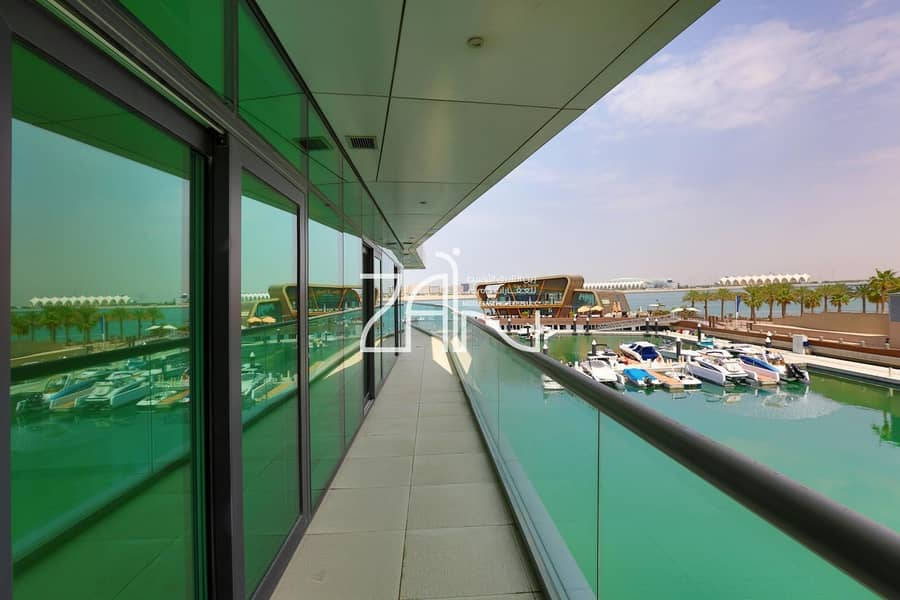 Sea View Spacious 3 BR Waterfront Apt with Balcony