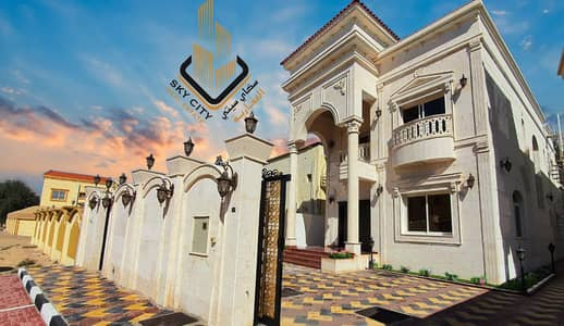 Wonderful villa with luxurious decorations for sale at an attractive price