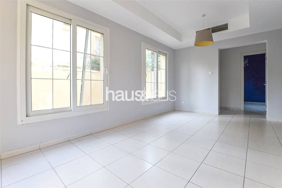 2 4E | 2BR + Study | Lake backing | Available Now