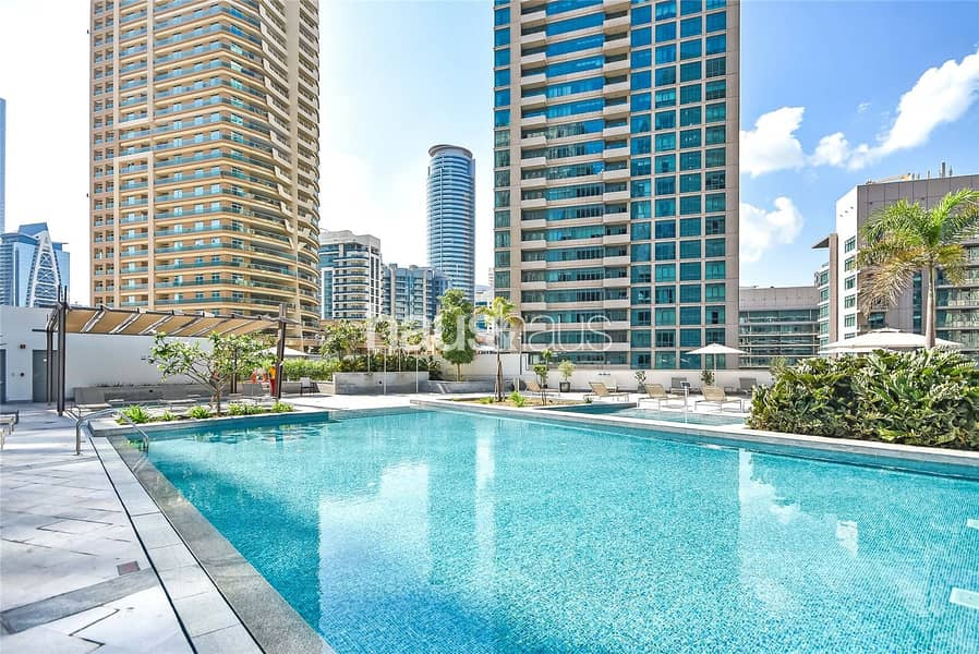 10 Fully furnished and Modern 1 BR Available 10/12