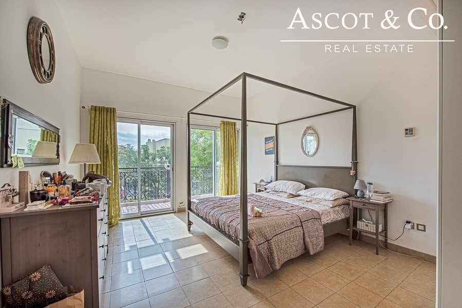 10 5 Bedrooms + Maid's | Private Pool | JVT