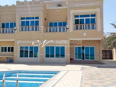 5 Bedroom Villa for Sale in Marina Village, Abu Dhabi - A Luxurious Family Home with Pool and Sea View