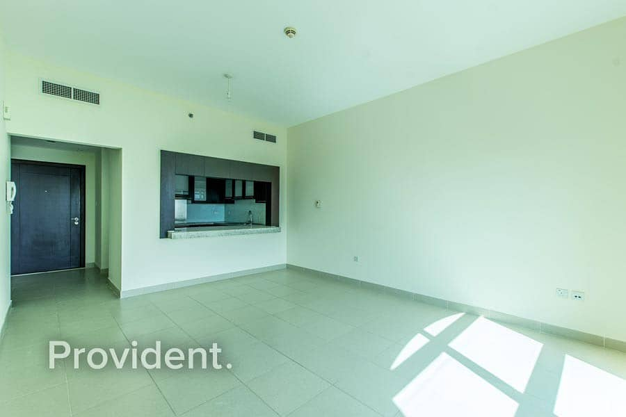 2 Spacious | Well Maintained |  Vacant | 1 bed