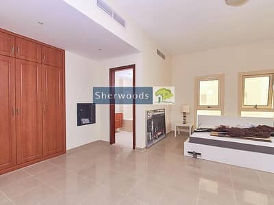 Studio for Sale in Al Hamra Village, Ras Al Khaimah - Walk To The Beach - Investor Deal - Vacant Unit