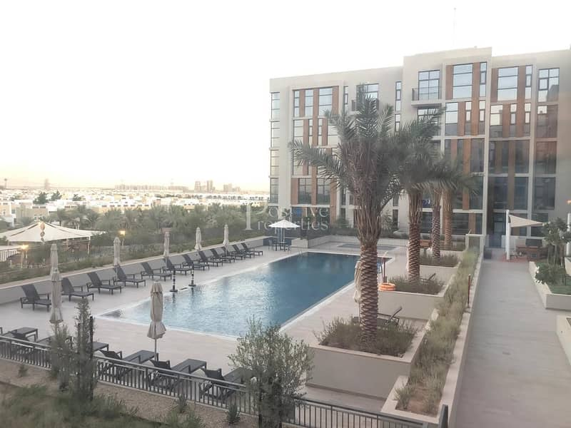 REDUSED PRICE BRAND NEW POOL AND PARK VIEW