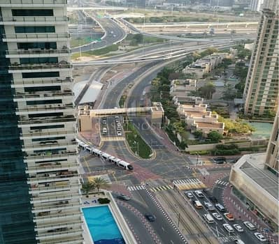 1 Bedroom Flat for Rent in Dubai Marina, Dubai - Higher Floor 1BR with Large Balcony Community View