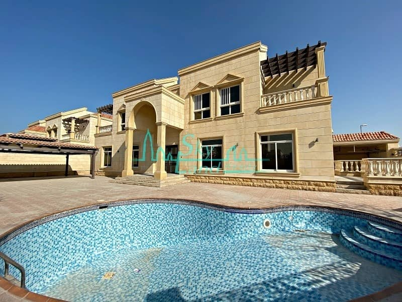 2 Grand 5 Bedroom Villa With A Private Pool