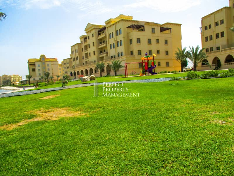 17 Very nice furnished 3 BHK Apartment with complete lake view for rent in Yasmin Village