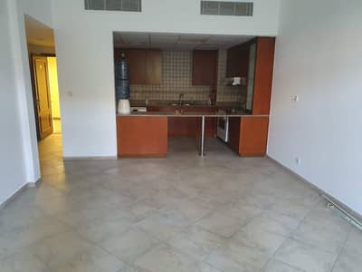 Large 2br  Plus Store and 2 parking 65k