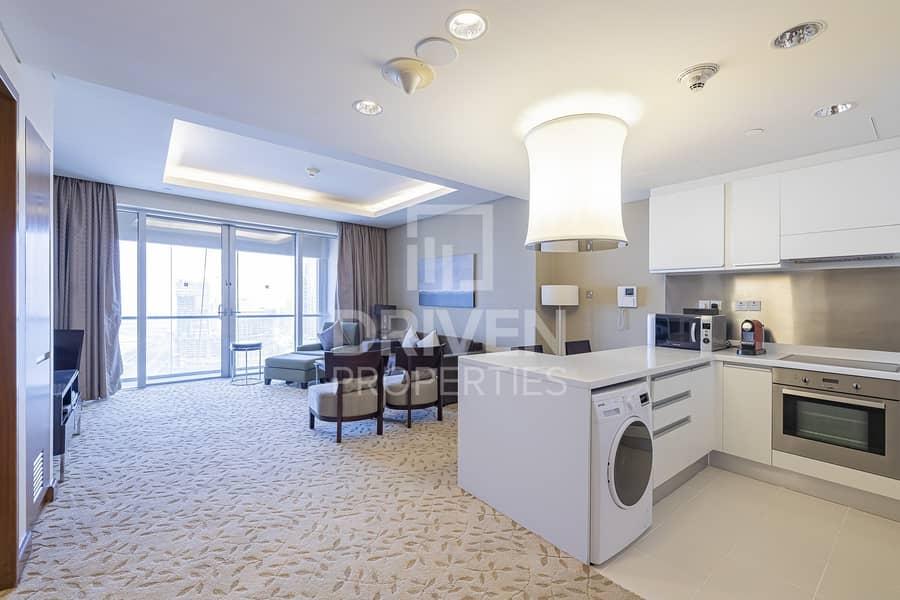 2 Luxurious   High Floor   Community Views