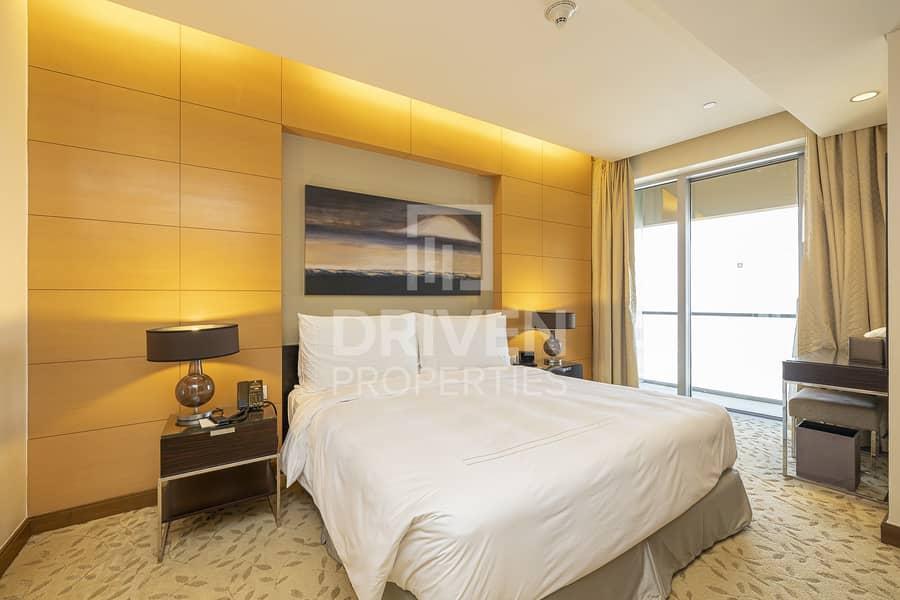11 Luxurious   High Floor   Community Views