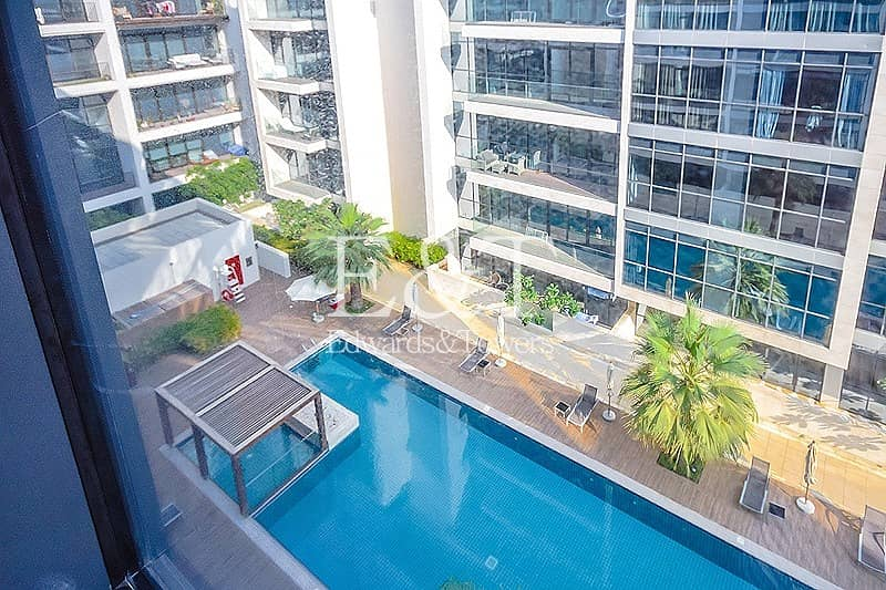 10 Large Balcony | Pool View | With Maids | JU