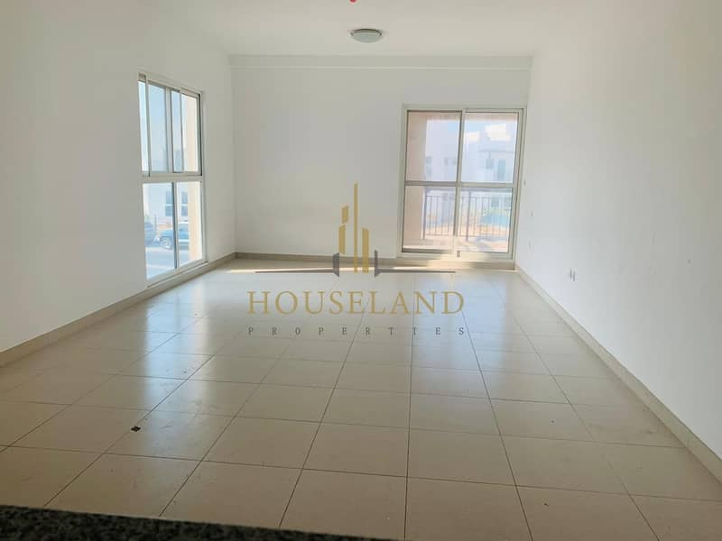 2 Amazing 1 bedroom available  with open view.
