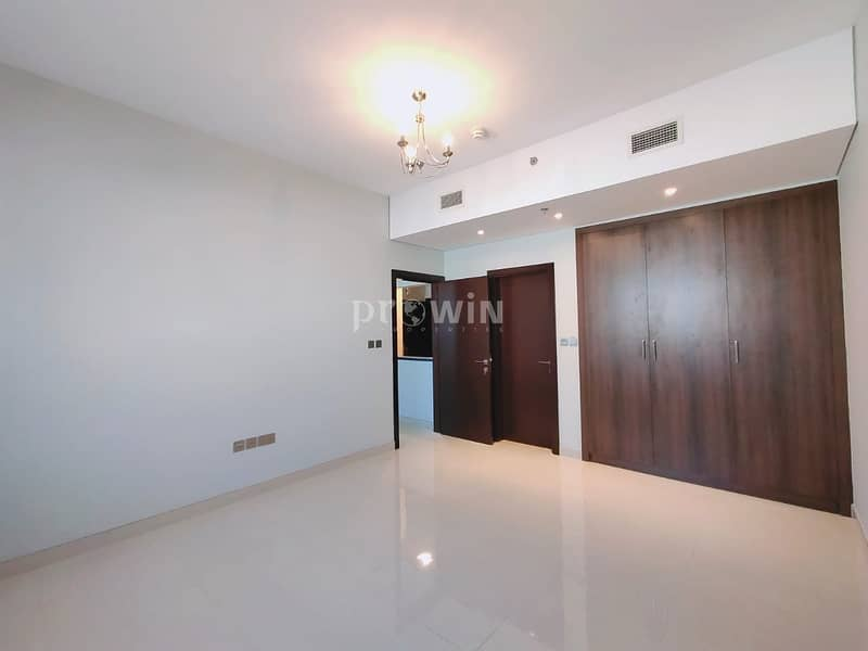 2 Very well Maintained 1BR | Semi Closed Kitchen | Upto 4cheques | Good Location