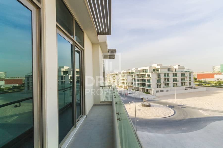 2 Beautiful 1 Bedroom Apartment with Balcony