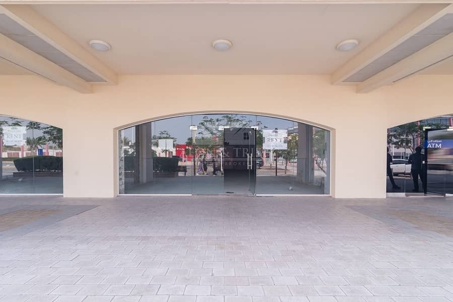 Excellent Location on main Retail for Rent