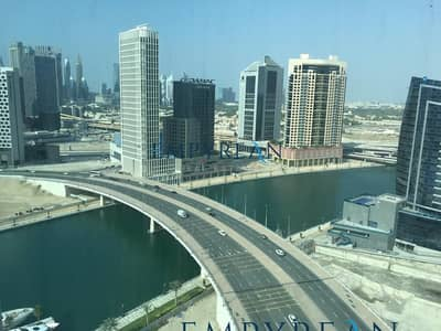 2 Bedroom Apartment for Rent in Business Bay, Dubai - 2 BR LAKE VIEW CORNER UNIT WELL MAINTAINED WITH BALCONY