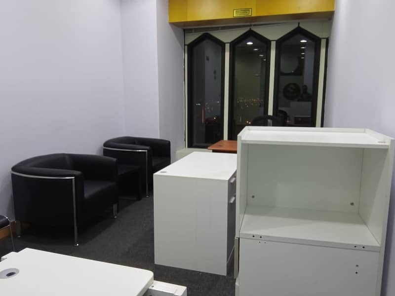 No Commisson Furnished office for rent Deira Creek