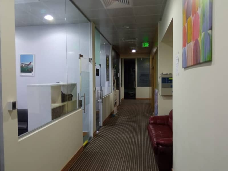 10 No Commisson Furnished office for rent Deira Creek