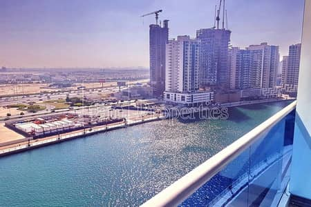 2 Bedroom Flat for Rent in Business Bay, Dubai - Full Canal View   Huge 2bed+M in Business Bay